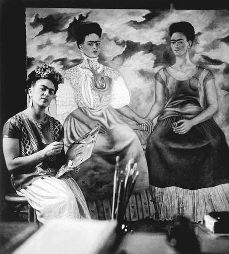 """""""Bebo para olvidar, pero ahora, no me acuerdo de qué"""" by Frida Kahlo"""