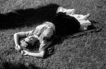 «Escoge un amante que te mire como si quizás fueras magia» Frida Kahlo.